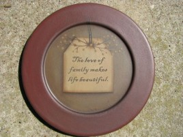 31571L - The Love of Family makes life beautiful wood plate