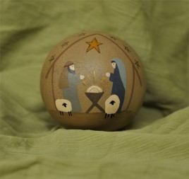 32533 - Nativity  Ball Decorative