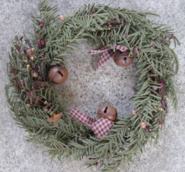85310PCW-Primitive Christmas Wreath with berries and bells