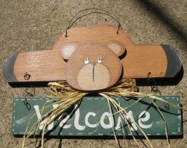 Country Crafts 903BG Welcome Bear Green Banner