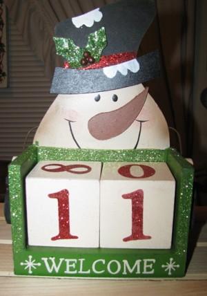 98062SC - Snowman Welcome Wood Calendar