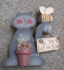 Primitive Cat with Bee W2109TP - Cat with Bee